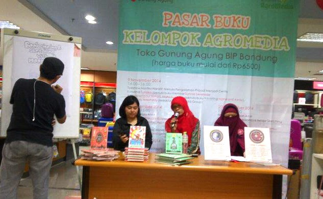 Meet and Sketching with Noomic's Author di Bandung