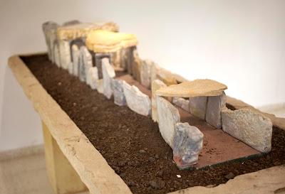 En la misma provincia, en el término municipal de  Villamartín se encuentra otro dólmen, el de Alberite.  Justo en frente del sitio existe una zona llamada  Los Lugos, nombre en homenaje al dios Lug quién  venció al gigante Balor en la historia celta.