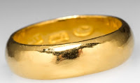 wedding ring in gold