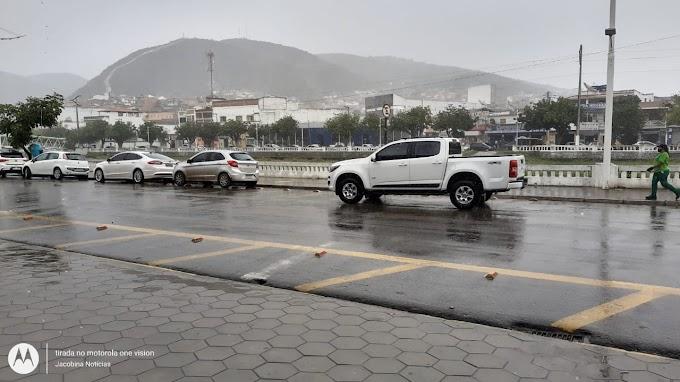 Jacobina tem dia chuvoso e temperatura média de 22°C