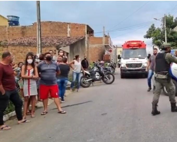 Urgente  - Mãe mata a própria filha no Alto do Moura em Caruaru