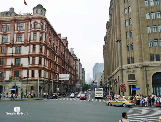 Nanjing Lu (Nanjing East Road) in The Bund - Shanghai