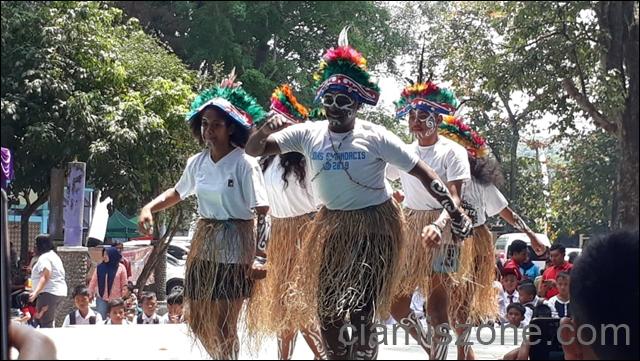 Sajojo Papua Warnai HUT Gong Perdamaian Dunia