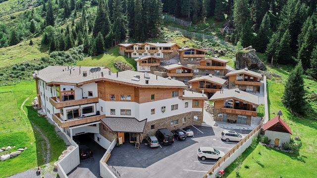 Berghochzeit in Tirol, Mountain wedding, Pure Resort Pitztal, Fotograf Marc Gilsdorf Alpenwedding, Hochzeitsplaneragentur 4 weddings & events, Uschi Glas, Styled Shooting, Destination Wedding Austria