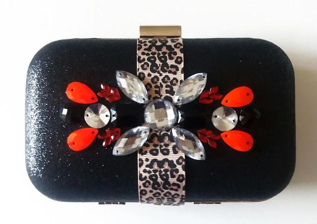 Bolso de fiesta con animal print y rojo