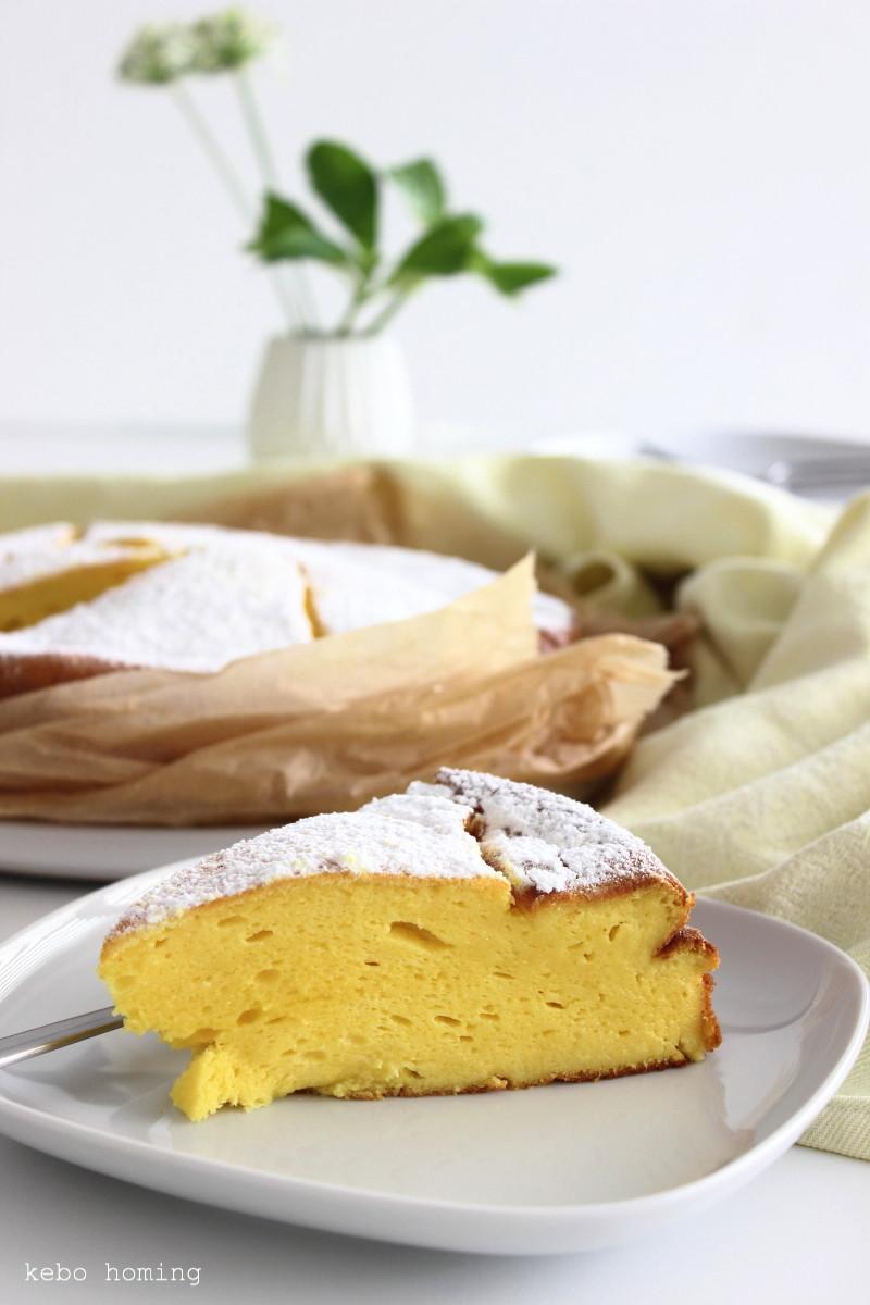 Käsekuchen ohne Boden, mit Vanille, super flaumig und so lecker, Cheesecake, Quarkkuchen mit Vanillepuddingpulver, super easy, Rezept bei Südtiroler Food und Lifestyleblog kebo homing... und Wochenendblumen