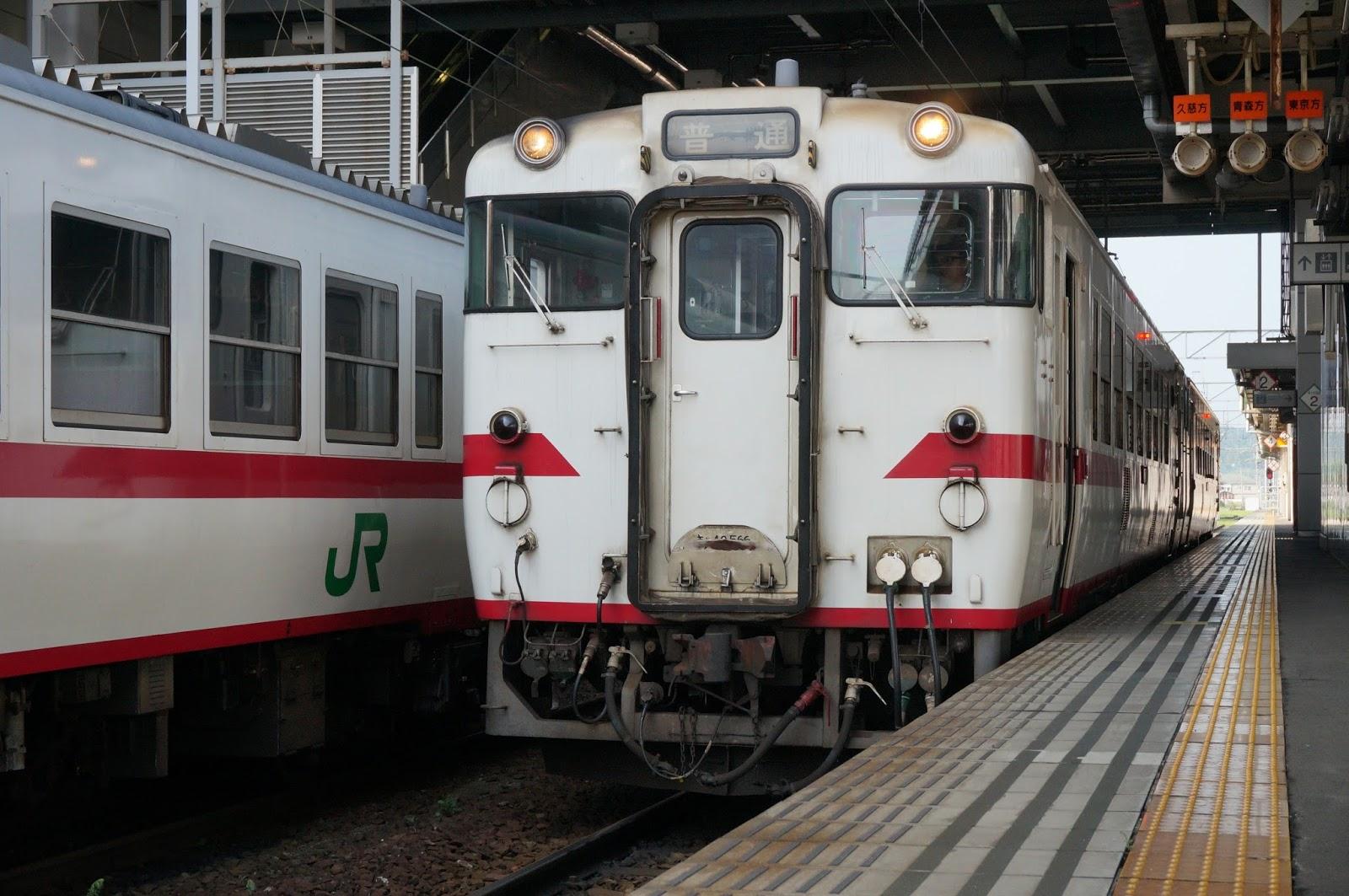 八戸駅停車中の八戸線キハ40
