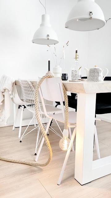 wit wonen zwart wit en hout interieur wooninspiratie woonblog interieur blogger boho stoer wonen scandinavisch Arja van Garderen fotografie & styling ZW&H.NL interieurblogger interieurblog,