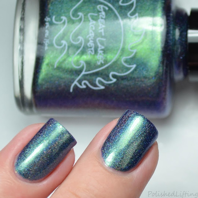 multichrome holographic nail polish
