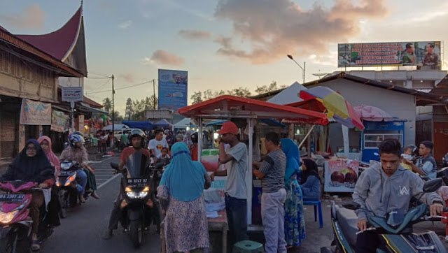 Ramai Mana? Menengok Aktivitas Dua Pasar Pabukoan di Pariaman