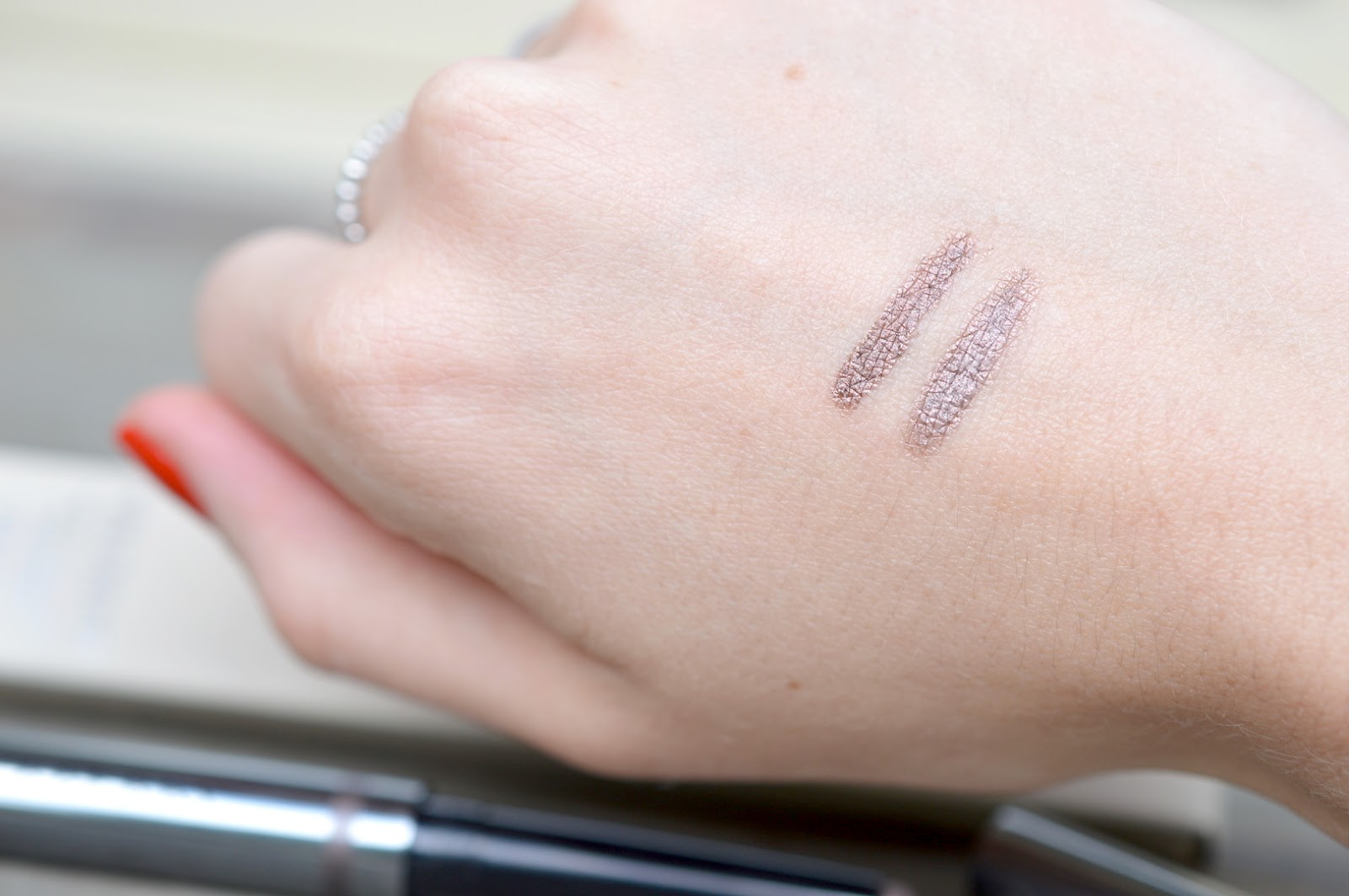 116 Dusky Mauve Urban Decay 24/7 Glide-On Shadow Pencil in Rehab