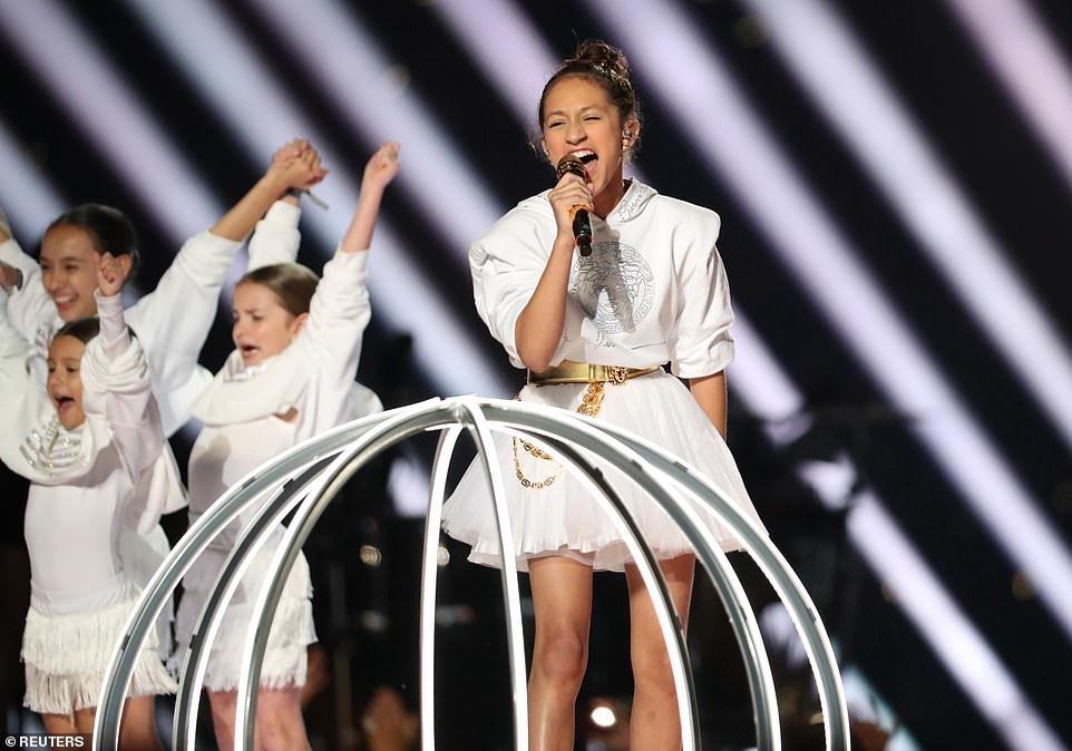 Jennifer Lopez's daughter sings on stage during Super Bowl halftime show