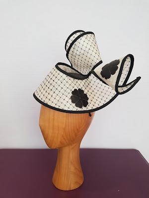 """Collection cérémonie """"Carla"""" sisal blanc bordé noir @patouchechapeaux"""