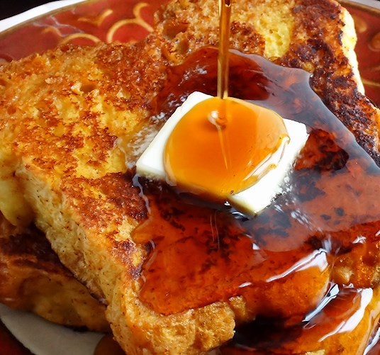 Best Ever Pumpkin Spice French Toast #brunch #breakfast