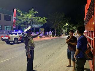 Satlantas Polres Enrekang Berikan Imbauan Pada Saat Patroli Malam