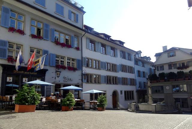 Napfgasse Spiegelgasse Fountain Square Zurich
