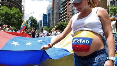 Gosh! Economic Crisis Makes Women in Venezuela 'Throw' Their Babies