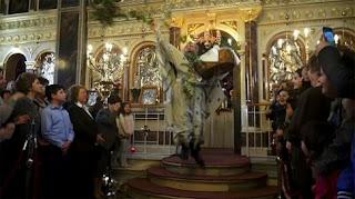 Η «ιπτάμενη» έξοδος του Παπά Χριστόφορου στη Χίο