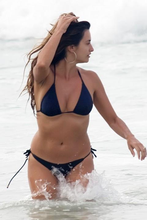 Penelope Cruz Bikini Pictures 93