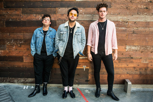 Lovelytheband - loneliness for love