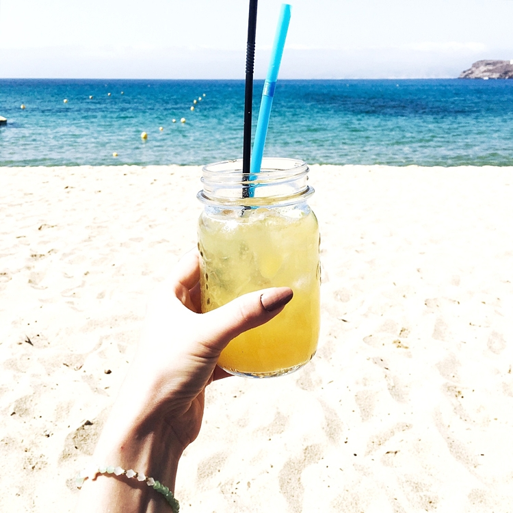 Jelena Zivanovic Instagram.Ios island best cocktails.