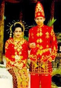 Provinsi Sulawesi Tenggara - Pakaian Adat Tradisional Suku Tolaki