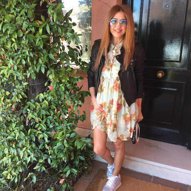 Dress, Flower, Jacket, sneakers, glasses, bag, outfit the day, street style, blogger, Carmen Hummer