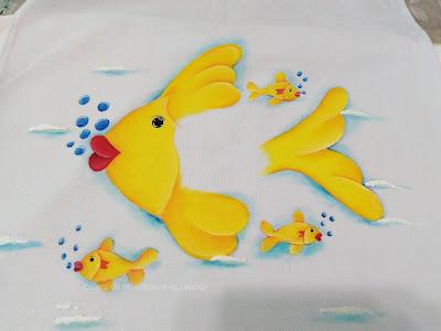 pintura tecido peixe amarelo ouro