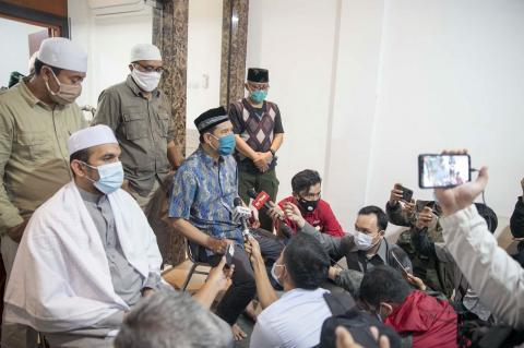 Terjadi Bentrok  Antara Polisi Dan FPI Yang menewas Enam Anggota FPI