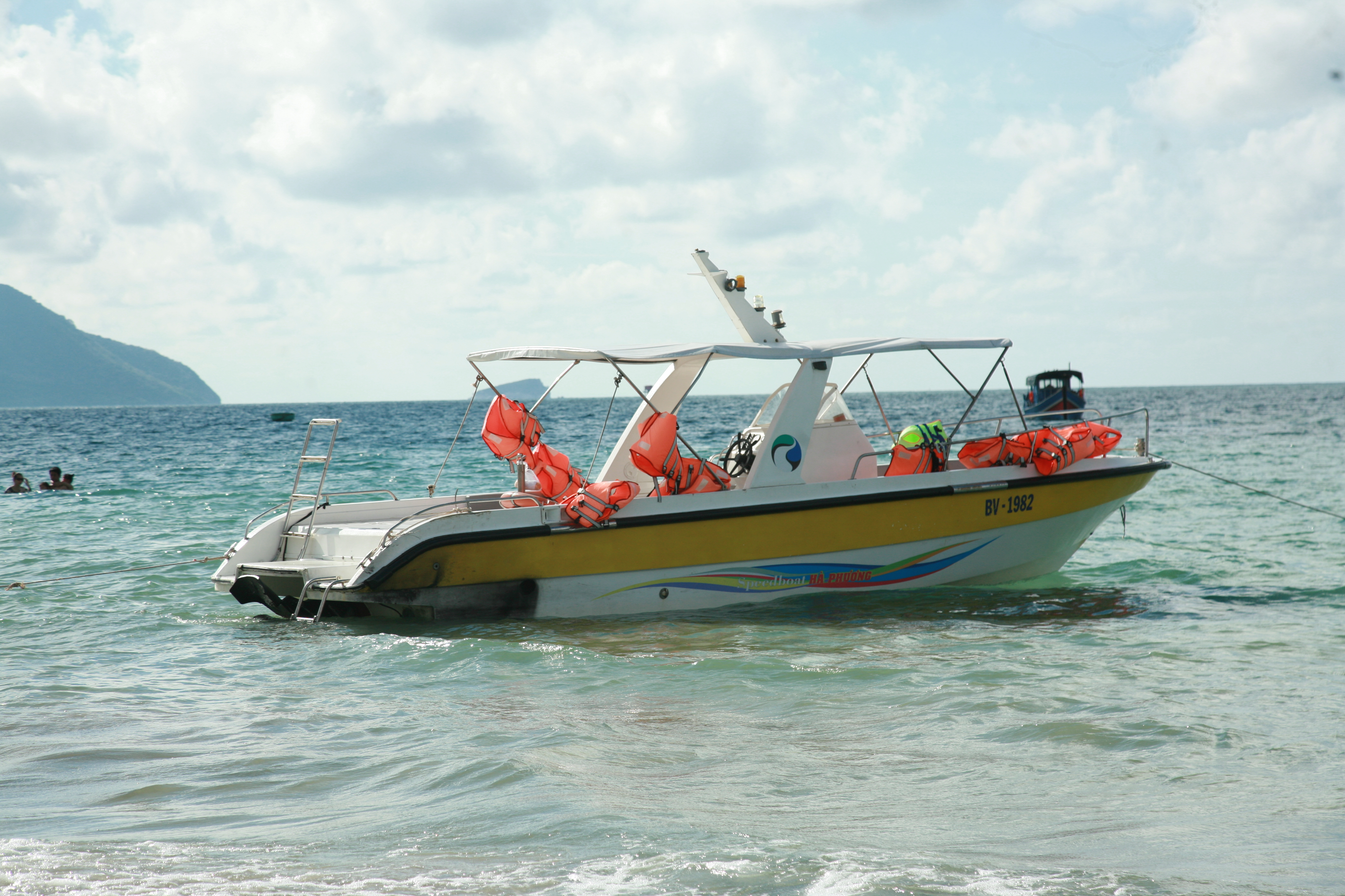 Bảng giá dịch vụ cho thuê cano tại Côn Đảo