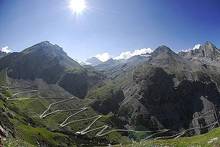 stelvio pass 7 Jalan Berliku Paling Menakjubkan Di Dunia