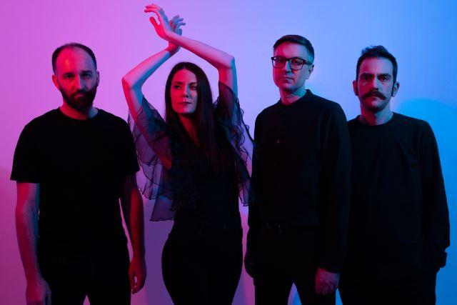 "VINYL SUICIDE: Κυκλοφορούν το νέο άλμπουμ ""Stray Asteroids"""