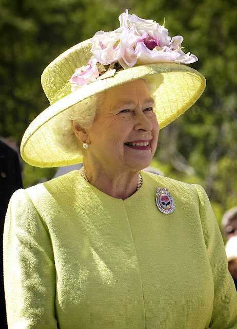 Queen Elizabeth Second A Direct Descendant Of The Prophet Says New Report