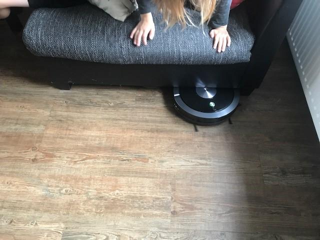 ZACO A9s - so flach, passt sogar unter unser Sofa
