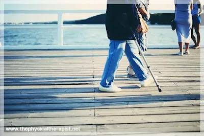 هل المصاب بالرباط الصليبي يستطيع المشي : هل الأمر ممكن بدون جراحة