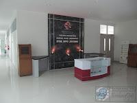 Meja Resepsionis dan Backdrop Panel furniture semarang