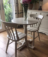 Small dining table for farmhouse dining room design
