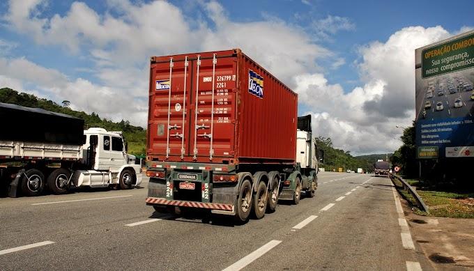 Caminhoneiros pagam propina para ter trabalho no Porto de Santos
