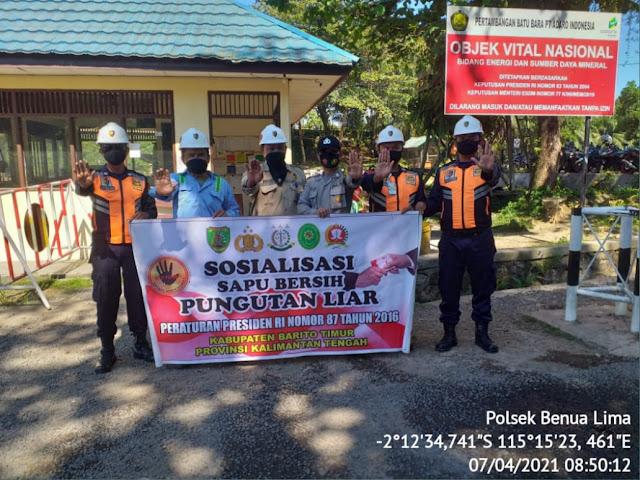 Anggota Polsek Benua Lima Ajak Anggota Security Sosialisasi Stop Pungli