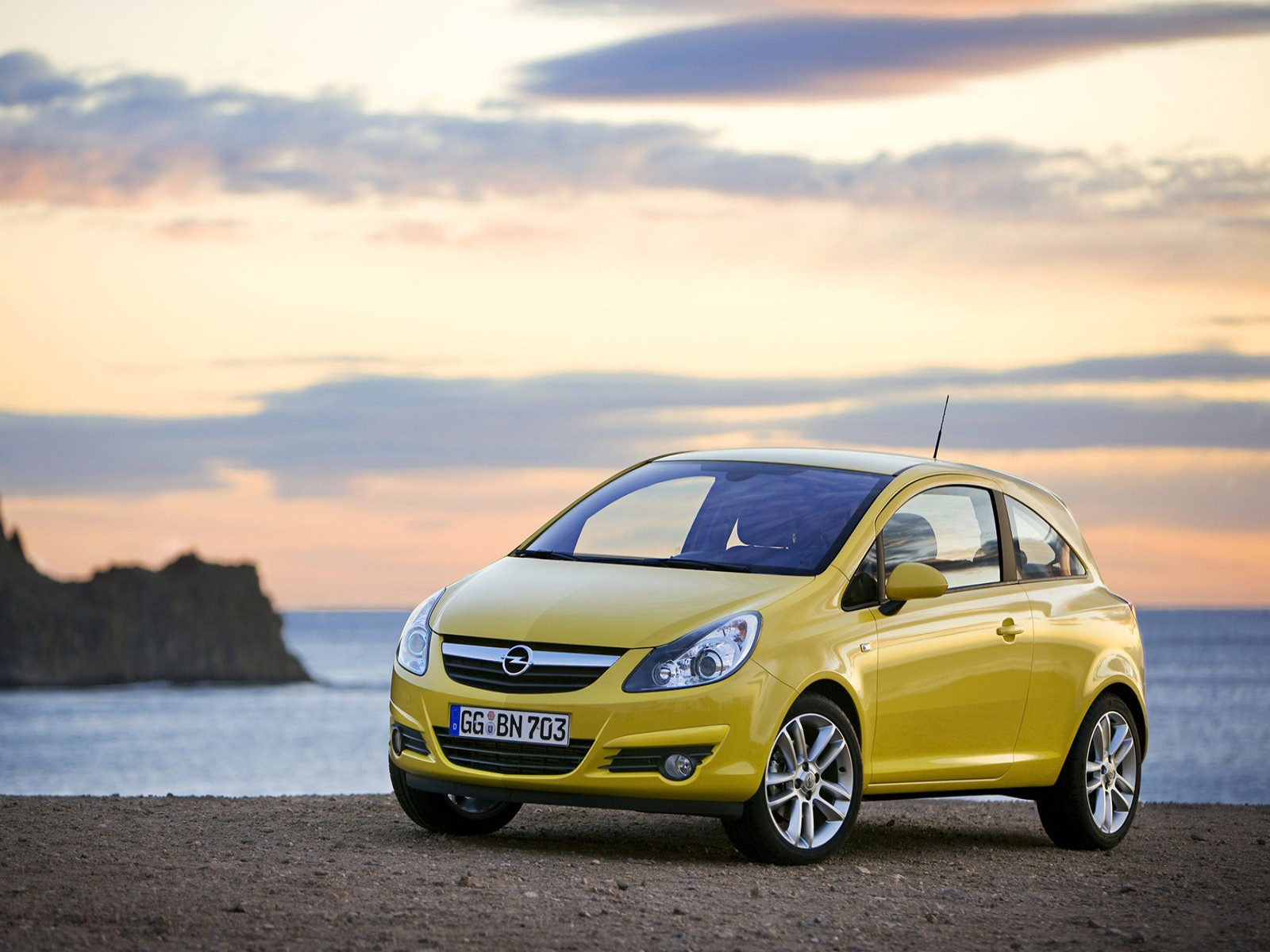 car and car zone opel corsa 2010 new cars car reviews car pictures and auto industry trends. Black Bedroom Furniture Sets. Home Design Ideas