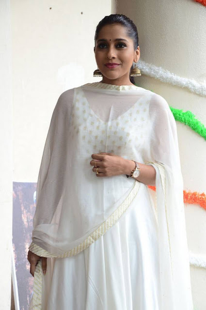 Rashmi Gautam Latest Photoshoot Pics Actress Trend
