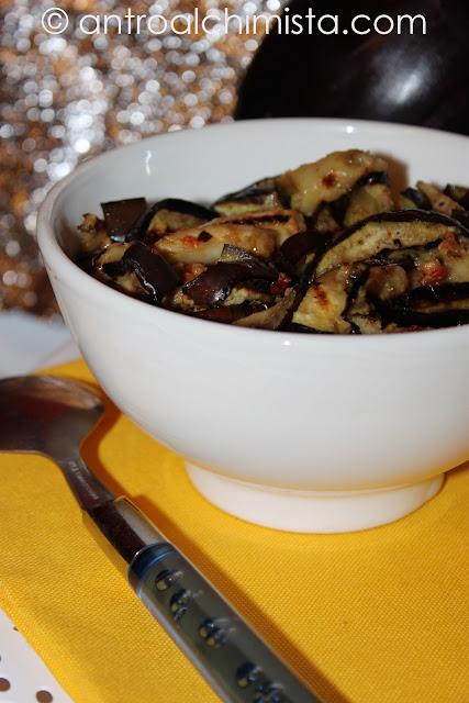 Melanzane Grigliate con Patè di Olive e Pomodorini