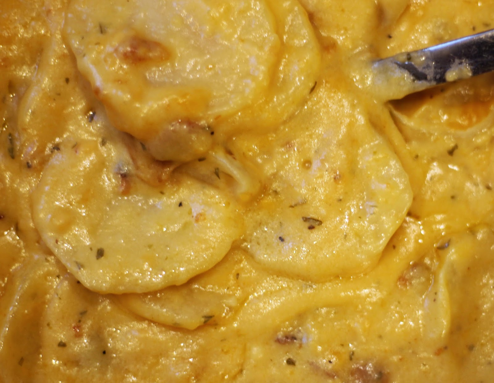 Cooking with mary and friends cheesy creamy scallop potatoes with recipe ingredients 12 stick butter 4 tbls 13 cup all purpose flour 1 12 cup milk 1 12 cup heavy cream 1 tsp salt 2 tsp course ground black pepper forumfinder Images