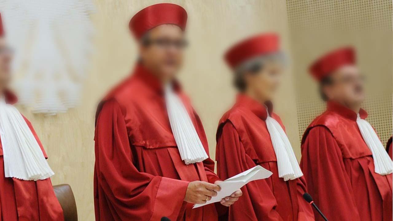 Kisah Adzab Bagi Hakim yang Hanya Mendengarkan Salah Satu Pihak Saja