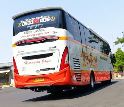 Foto Bus Harapan Jaya H583 Belakang