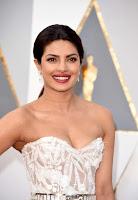 Priyanka Chopra 2016 Oscars  03.jpg