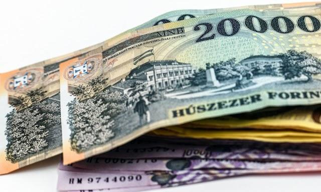 Kétezermilliárd forint maradhat az adósoknál