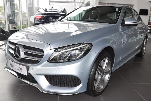 Mercedes C300 AMG có thiết kế thể thao, mạnh mẽ và hiện đại