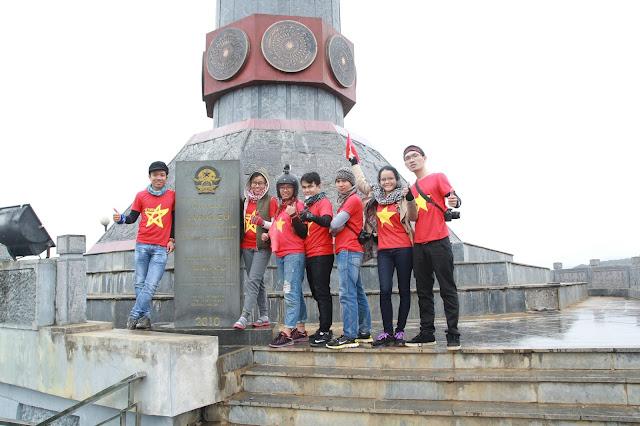 Du lịch bụi Hà Giang - Cột cờ Lũng Cú