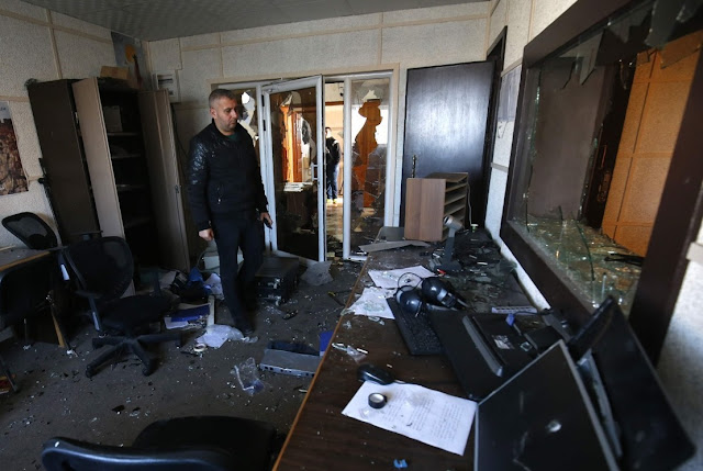 Local television robbed in Peqin, thefts destroy the studio and steal television sets